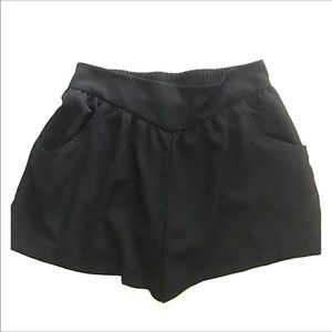Pants - Black lightweight shorts front pockets small S/P